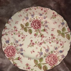 Johnson Brothers Plate made in England Rose Chintz